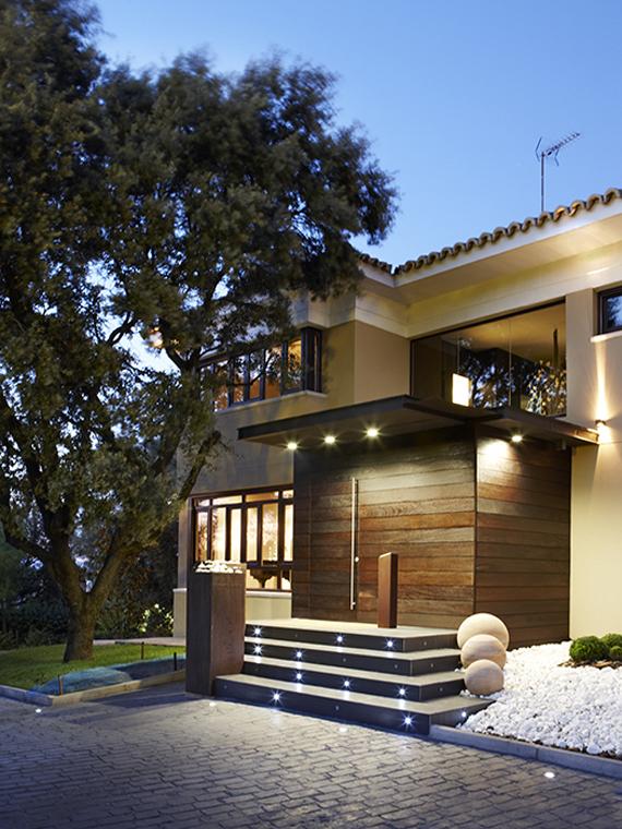 Proyecto iluminación de fachada de casa particular