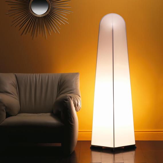 Lámpara de suelo Kazuki, de Nemo.